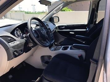 2015 Dodge Grand Caravan SXT - Photo 8 - Honolulu, HI 96818