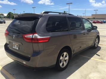 2015 Toyota Sienna LE 8-Passenger XtraEquipment LOADED - Photo 4 - Honolulu, HI 96818