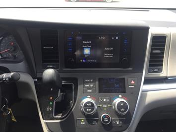 2015 Toyota Sienna LE 8-Passenger XtraEquipment LOADED - Photo 14 - Honolulu, HI 96818