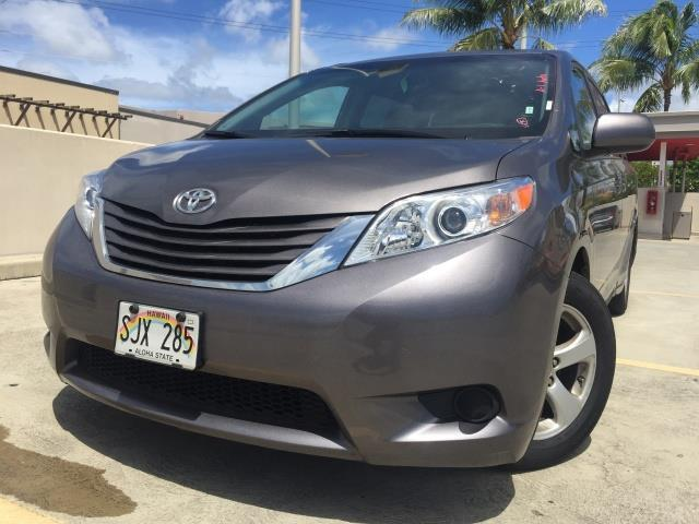 2015 Toyota Sienna LE 8-Passenger XtraEquipment LOADED - Photo 1 - Honolulu, HI 96818