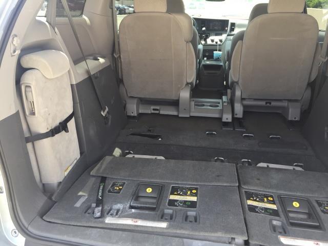 2015 Toyota Sienna LE 8-Passenger XtraEquipment LOADED! - Photo 27 - Honolulu, HI 96818
