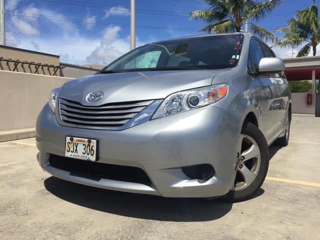 2015 Toyota Sienna LE 8-Passenger XtraEquipment LOADED! - Photo 1 - Honolulu, HI 96818