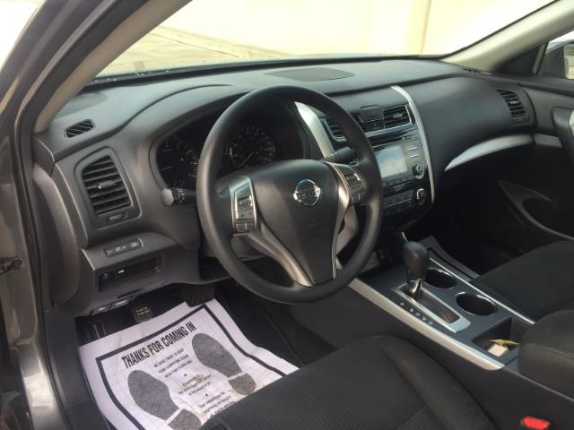 2015 Nissan Altima 2.5 - Photo 15 - Honolulu, HI 96818