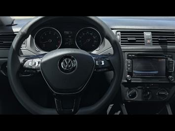2015 Volkswagen Jetta S - Photo 8 - Honolulu, HI 96818