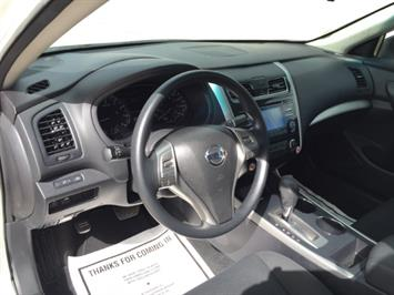 2015 Nissan Altima 2.5 - Photo 19 - Honolulu, HI 96818