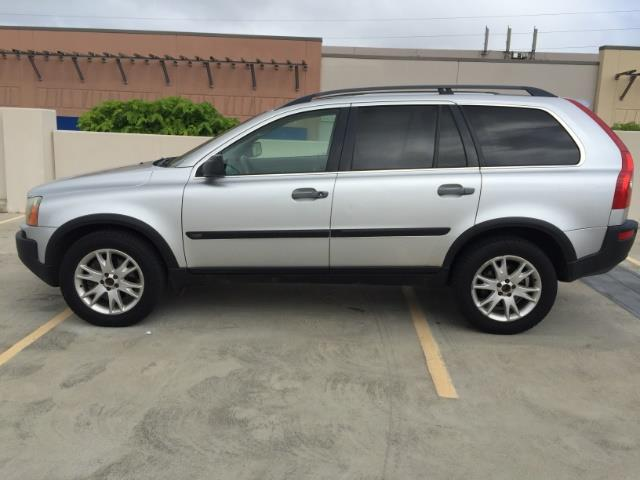2005 Volvo XC90 2.5T - Photo 9 - Honolulu, HI 96818