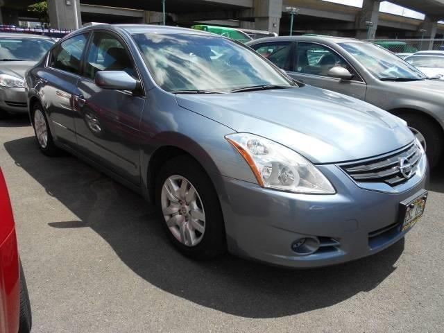 2012 Nissan Altima 2.5 - Photo 2 - Honolulu, HI 96818