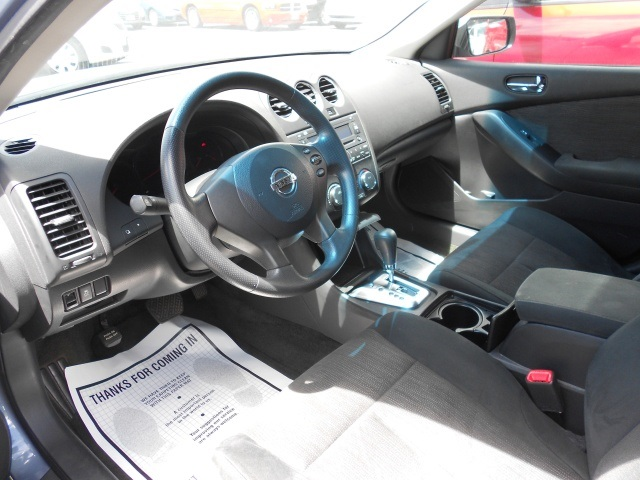 2012 Nissan Altima 2.5 - Photo 14 - Honolulu, HI 96818
