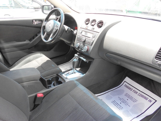 2012 Nissan Altima 2.5 - Photo 16 - Honolulu, HI 96818
