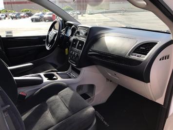 2015 Dodge Grand Caravan SXT - Photo 11 - Honolulu, HI 96818