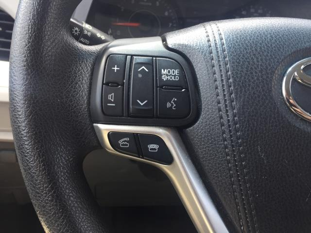2015 Toyota Sienna LE 8-Passenger - Photo 12 - Honolulu, HI 96818