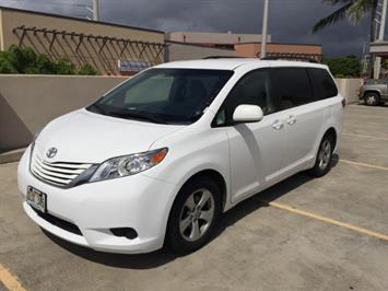 2015 Toyota Sienna LE 8-Passenger XtraEquipment LOADED! - Photo 5 - Honolulu, HI 96818