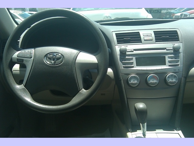 2010 Toyota Camry SE - Photo 10 - Honolulu, HI 96818