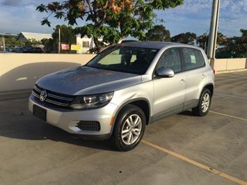 2013 Volkswagen Tiguan S - Photo 2 - Honolulu, HI 96818