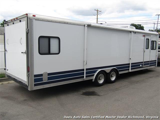 2007 Work And Play Forest River 30 Foot  Toy Hauler Camper - Photo 3 - Richmond, VA 23237
