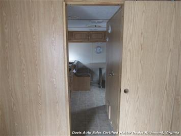 2007 Work And Play Forest River 30 Foot  Toy Hauler Camper - Photo 17 - Richmond, VA 23237