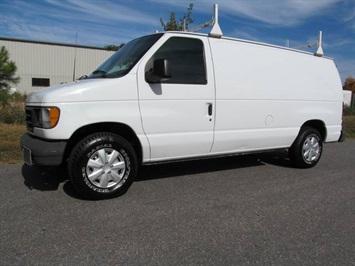 2003 Ford E-Series Cargo E-150 Base Van