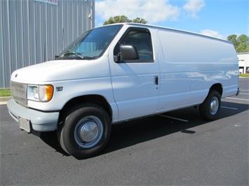 2002 Ford Econoline Cargo SD Van