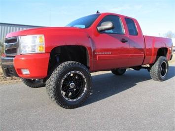 2007 Chevrolet Silverado 1500 LT1 Truck