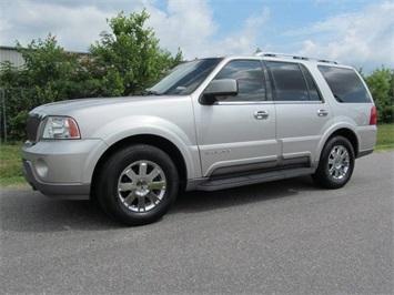 2003 Lincoln Navigator Luxury SUV