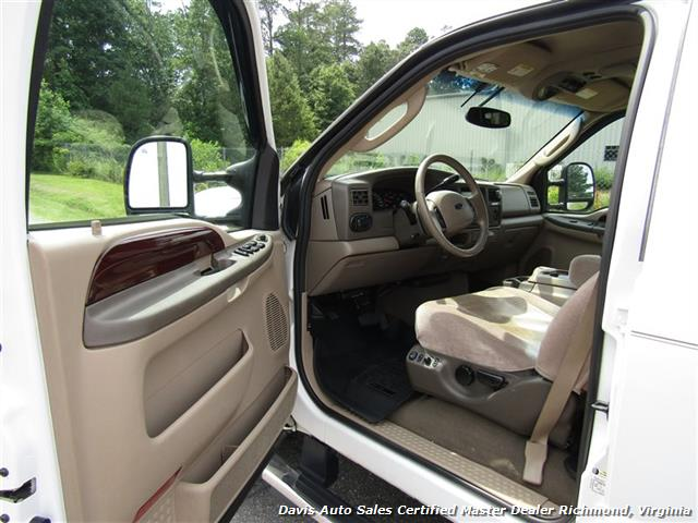 2004 Ford Excursion Eddie Bauer Limited 4X4 Fully Loaded Family - Photo 6 - Richmond, VA 23237