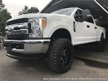 2017 Ford F-250 Super Duty XLT 4X4 Lifted Crew Cab Short Bed Truck