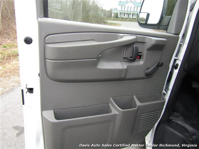 2004 Chevrolet Express 1500 AWD 4X4 Commercial Work Cargo - Photo 8 - Richmond, VA 23237