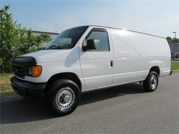 2005 Ford E-Series Cargo E-250 Van
