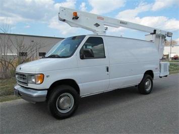 2000 Ford E-Series Van Van