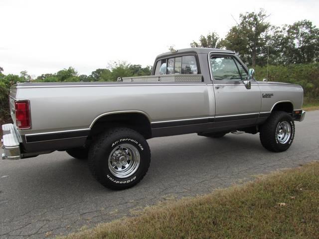 6 Door Truck >> Davis Auto Sales - Photos for 1989 Dodge Power Wagon