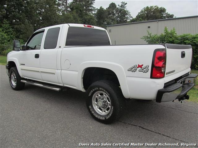 2006 Chevrolet Silverado 2500 HD LS 4X4 Extended Cab Short Bed