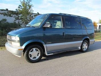 2000 Chevrolet Astro LS Van