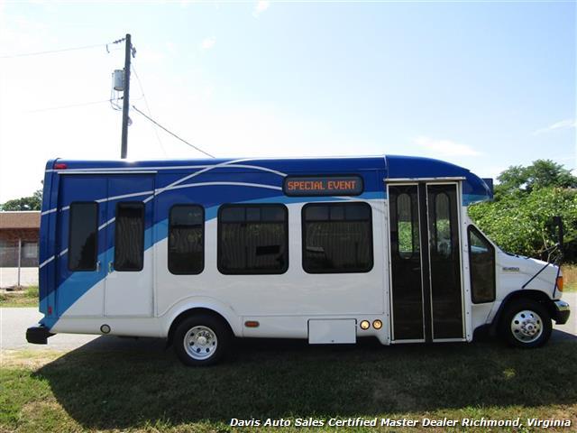 2007 Ford E450 Super Duty Startrans Passenger Shuttle Bus