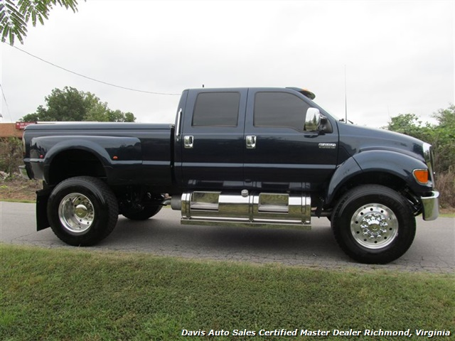 2004 Ford F650 Super Duty Super Crewzer