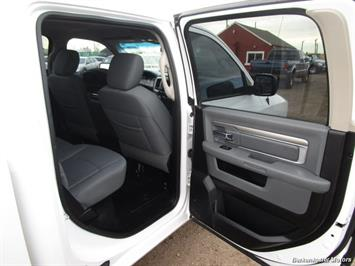 2013 Ram 1500 SLT Crew Cab 4x4 HEMI - Photo 31 - Castle Rock, CO 80104