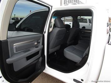 2013 Ram 1500 SLT Crew Cab 4x4 HEMI - Photo 22 - Castle Rock, CO 80104