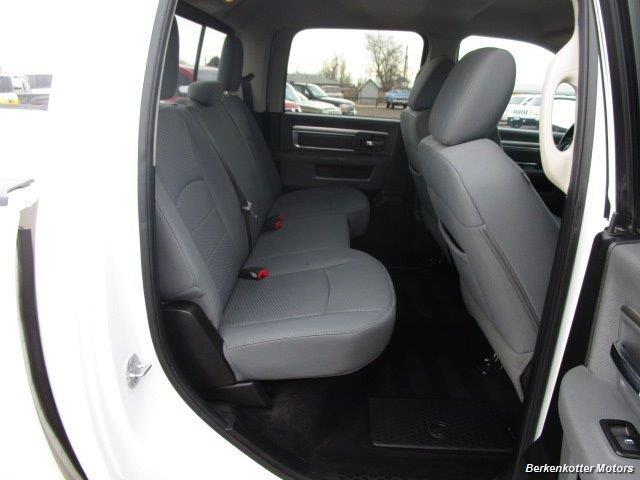 2013 Ram 1500 SLT Crew Cab 4x4 HEMI - Photo 32 - Castle Rock, CO 80104