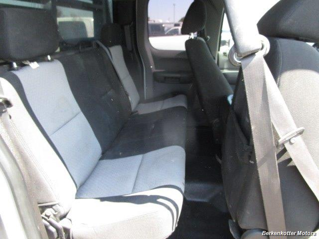 2008 GMC Sierra 3500 Extended Cab Dually 4x4 - Photo 23 - Brighton, CO 80603