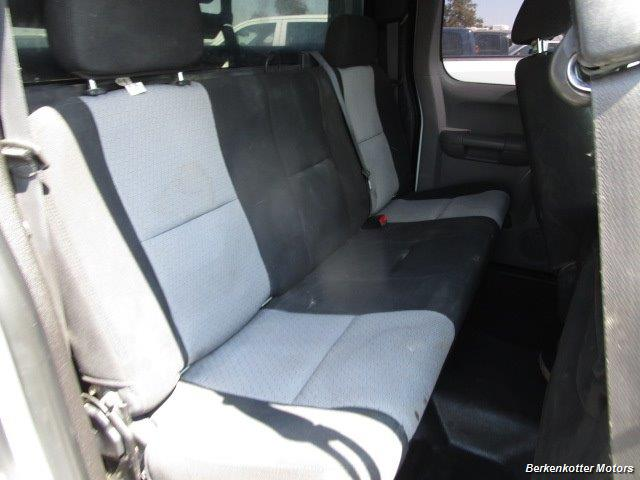 2008 GMC Sierra 3500 Extended Cab Dually 4x4 - Photo 21 - Brighton, CO 80603