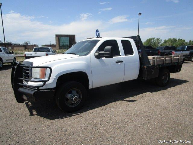 2008 GMC Sierra 3500 Extended Cab Dually 4x4 - Photo 10 - Brighton, CO 80603