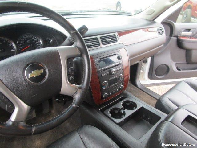 2014 Chevrolet Suburban LT 1500 - Photo 40 - Brighton, CO 80603