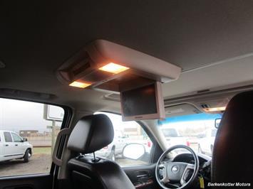 2014 Chevrolet Suburban LT 1500 - Photo 27 - Brighton, CO 80603
