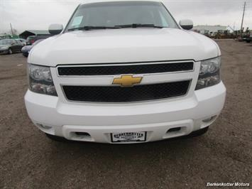 2014 Chevrolet Suburban LT 1500 - Photo 13 - Brighton, CO 80603