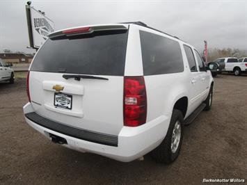 2014 Chevrolet Suburban LT 1500 - Photo 5 - Brighton, CO 80603