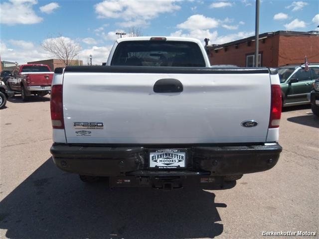 2007 Ford F-250 Super Duty XL Extended Supercab 4x4 - Photo 6 - Brighton, CO 80603