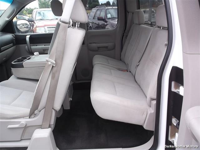 2007 Chevrolet Silverado 1500 XLT Extended Cab 4x4 - Photo 14 - Brighton, CO 80603