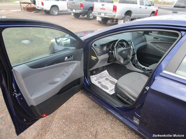 2013 Hyundai Sonata SE - Photo 13 - Brighton, CO 80603