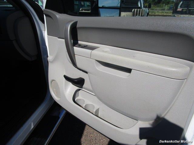 2013 Chevrolet Silverado 2500 Extended Cab 4x4 - Photo 18 - Brighton, CO 80603