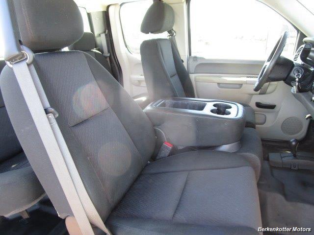 2013 Chevrolet Silverado 2500 Extended Cab 4x4 - Photo 20 - Brighton, CO 80603