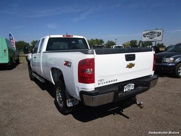 2013 Chevrolet Silverado 2500 Extended Cab 4x4 - Photo 7 - Brighton, CO 80603